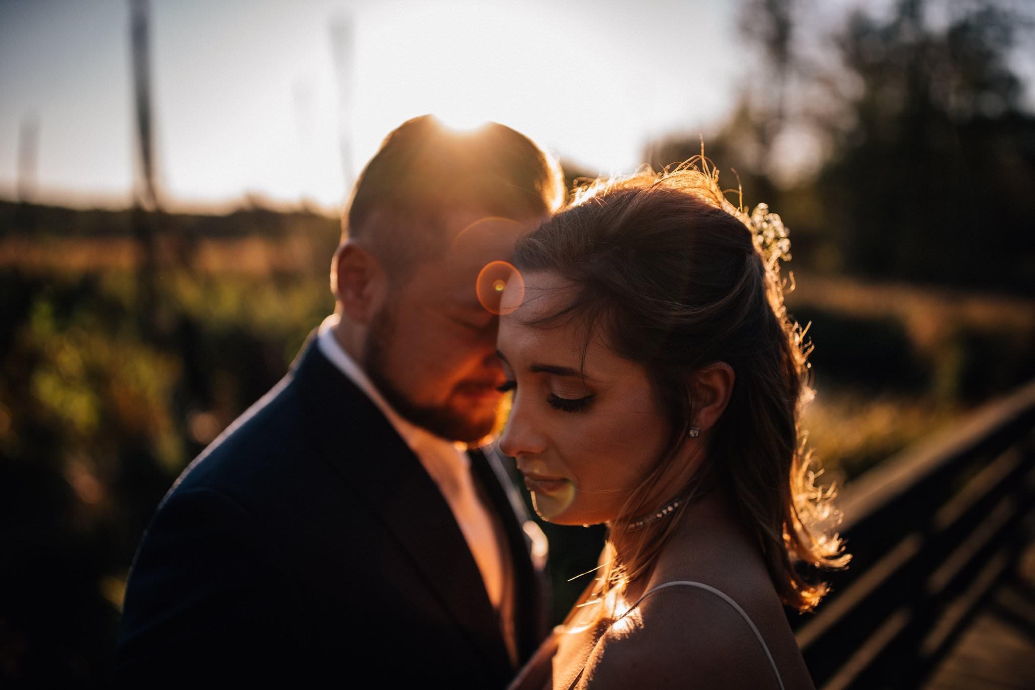 Para młoda na plenerze ślubny z Love Needs