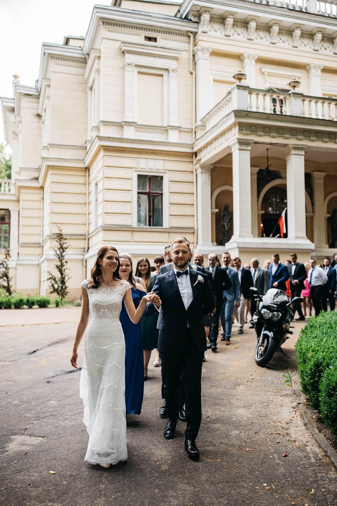 Pierwszy taniec pary młodej w Pałacu Biedrusko