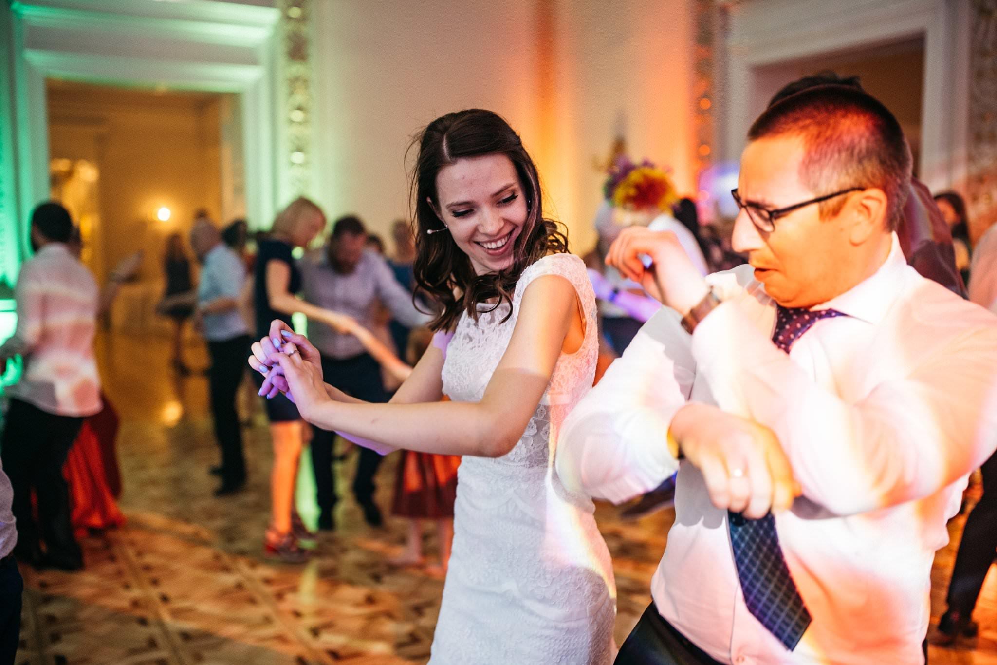 Zabawa weselna Love Needs pałac Biedrusko