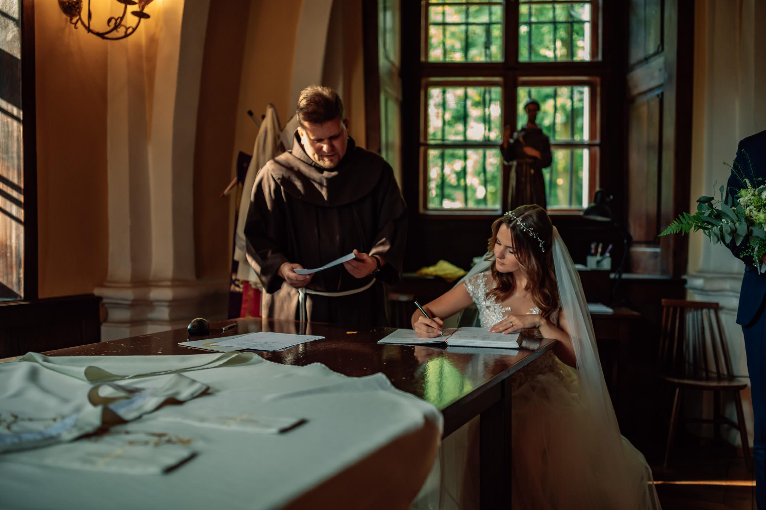 Klasztor Franciszków podpisanie dokumentów