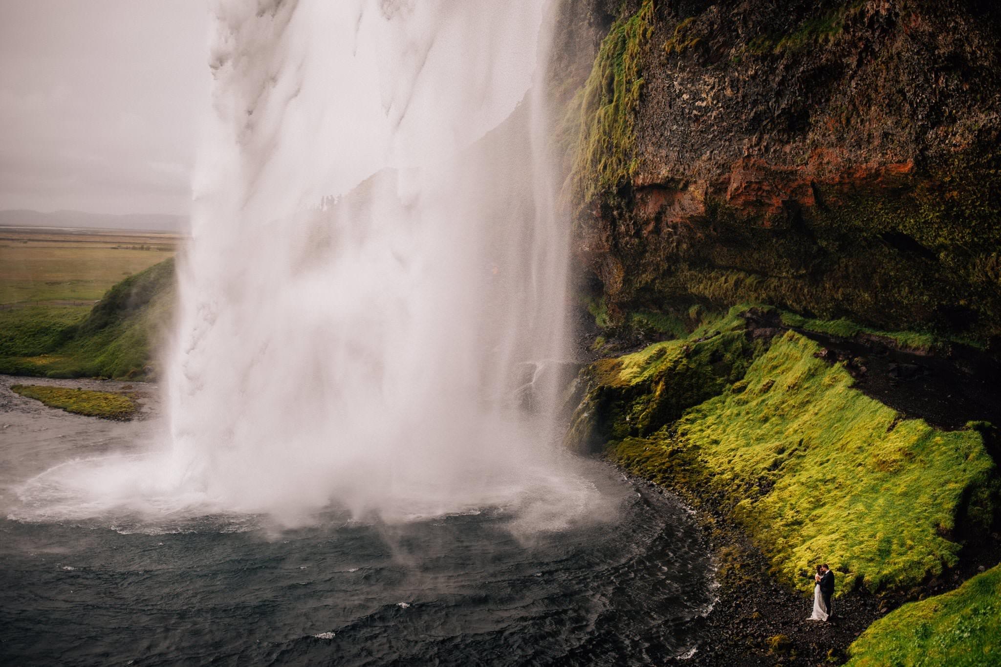 Sesja plenerowa na Islandii wodospad