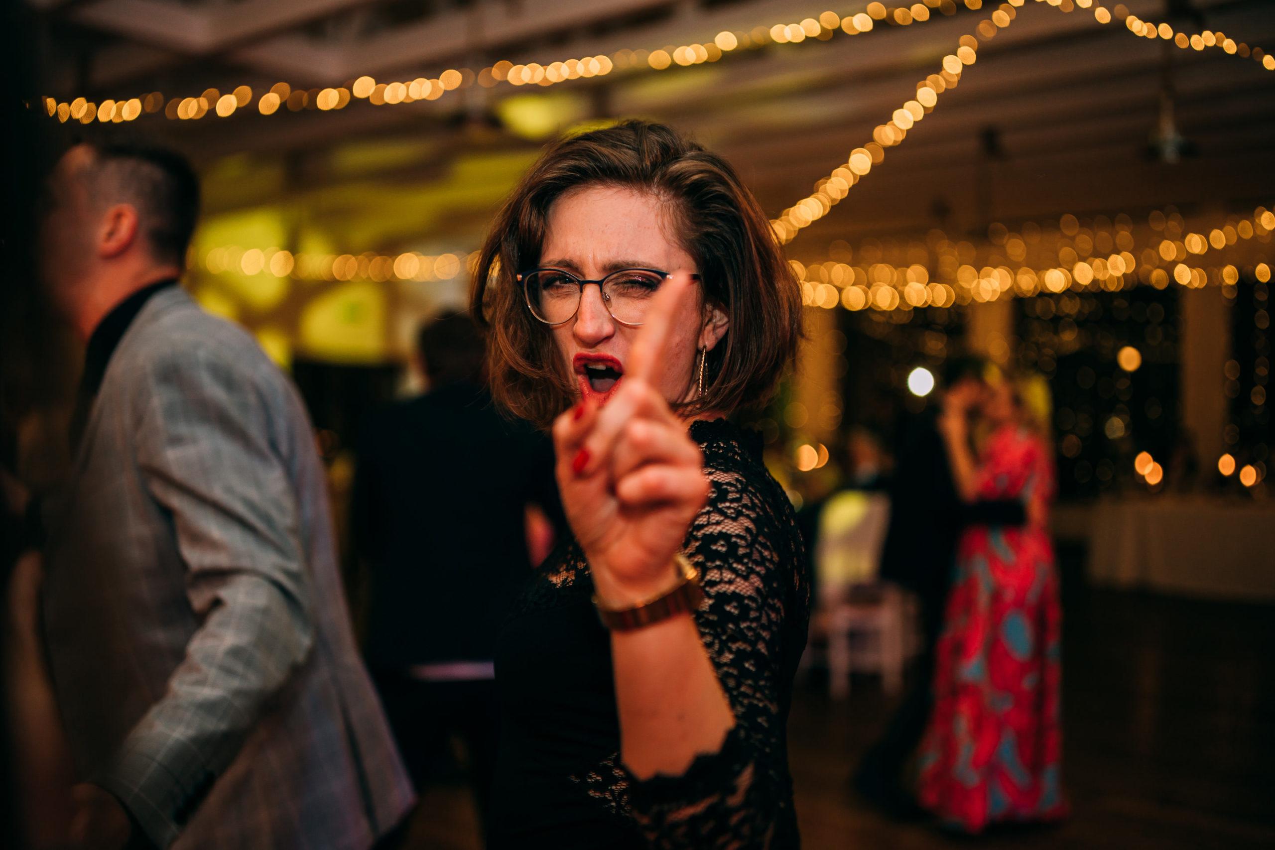Zabawa na weselu w Bagatelce Reportaż ślubny Love Needs